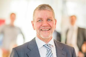 Unser Gast im Livestream: Unternehmensberater und Buchautor Gerhard Gieschen