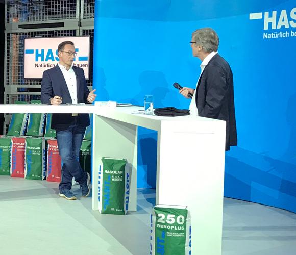 Moderator Marin Prösler (rechts)